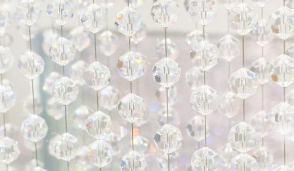 Innovative teamwork is like a string of quartz pearls